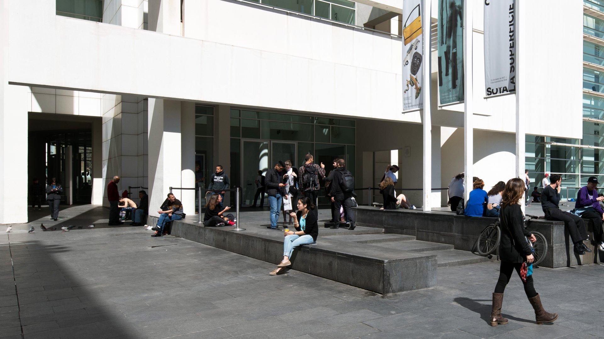 Visita Macba Museu D Art Contemporani De Barcelona