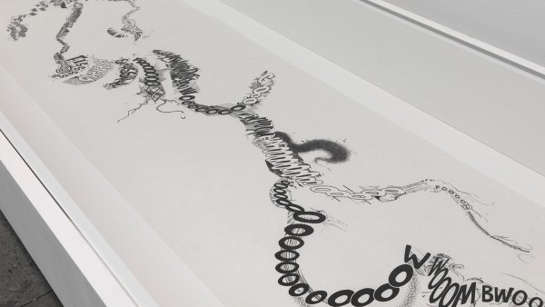 Christian Marclay 'Manga Scroll', 2010. © el artista. Foto © Todd-White Art Photography Courtesy White Cube