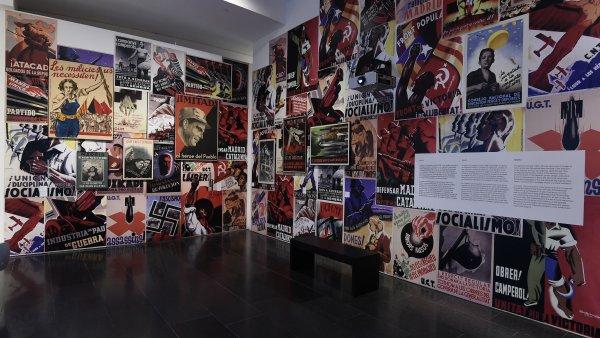 """Vistas de la muestra de """"Un siglo breve: Colección MACBA"""". Foto: Miquel Coll"""