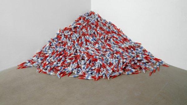 """Untitled"" (Para Un Hombre En Uniforme), Felix Gonzalez-Torres"