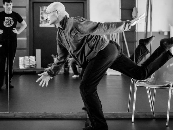 """Nuevo ciclo artes en vivo """"Danza a fin de mes"""" [in Spanish]"""