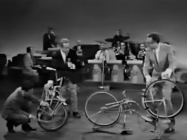 Frank Zappa teaches Steve Allen to play The Bicycle (1963)