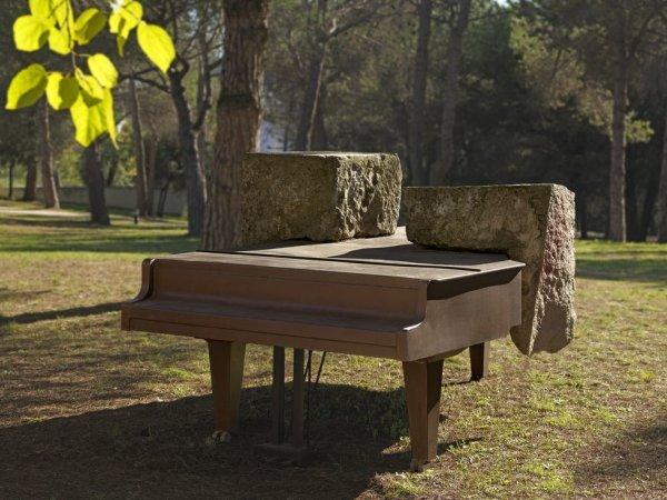 Jordi Benito's 'Piano Track'