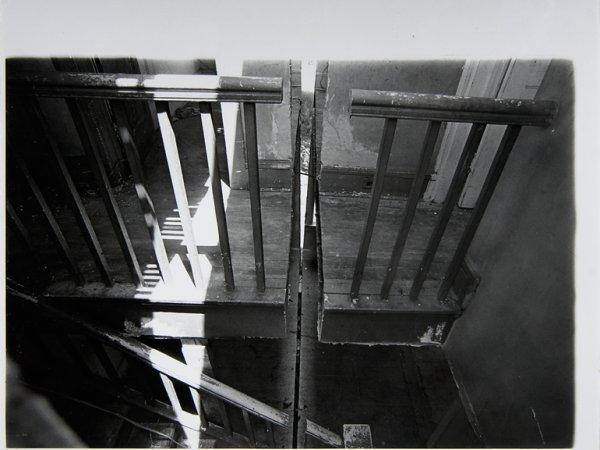 """Gordon Matta Clark """"Splitting 6 [Documentació de l'acció """"Splitting"""" realitzada el 1974 a Nova Jersey, Estats Units]"""", 1977"""