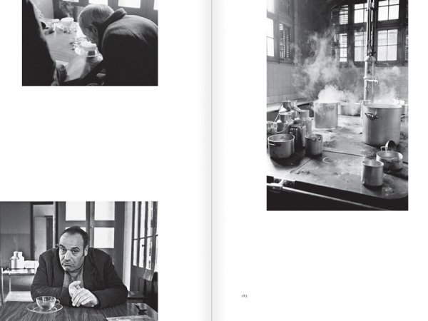 "Selection from the catalogue ""Centre Internacional de Fotografia Barcelona (1978-1983) "", pages 182 and 183"