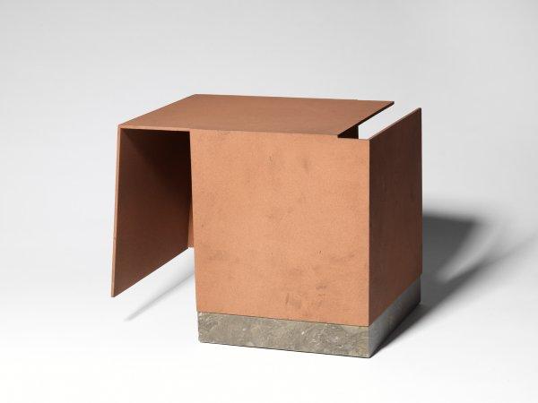 Caja metafísica por conjunción de dos triedros de Jorge Oteiza, 1959