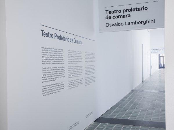 Vistes de l'exposició 'Osvaldo Lamborghini. Teatro proletario de cámara', 2015. Foto: La Fotogràfica