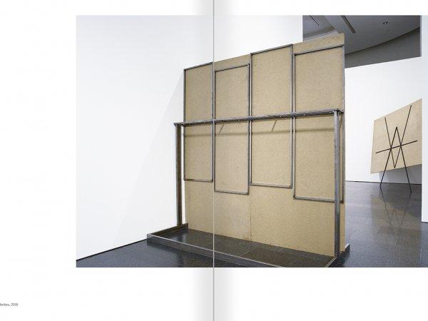 """Selecció del catàleg """"Asier Mendizabal"""" pàgines 94 i 95"""