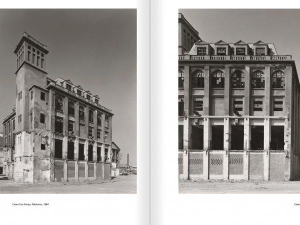 """Selecció del catàleg """"Barcelona 1978-1997. Manolo Laguillo"""" pàgines 102 i 103"""