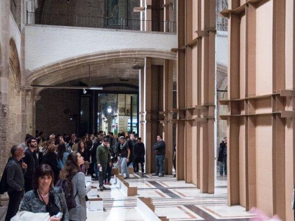 """Vistes de l'exposició """"Carlos Bunga"""", 2015. Foto: Miquel Coll"""