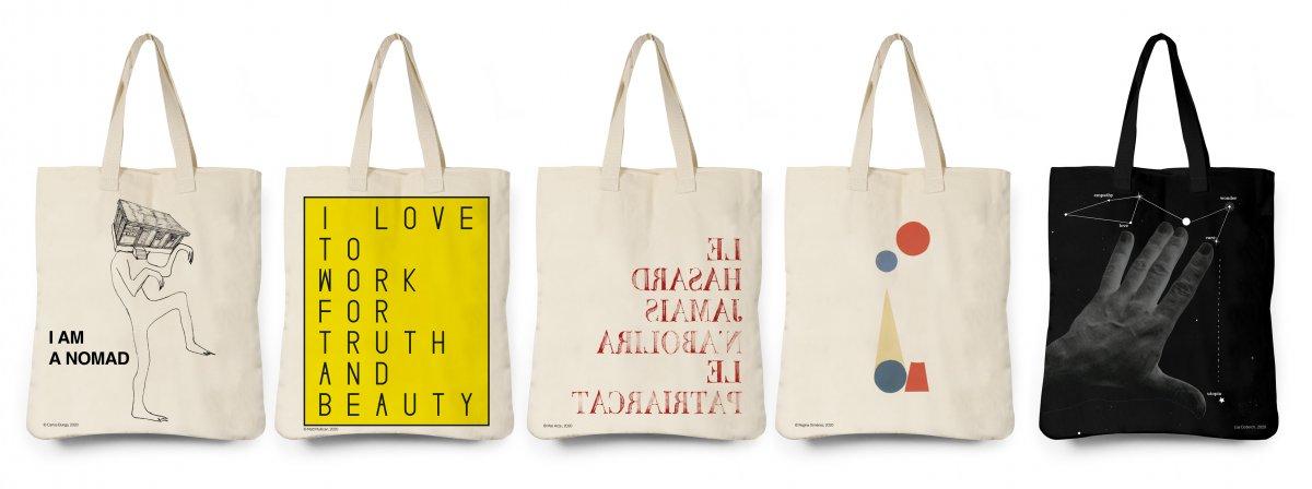 5 tote bags × 5 artistas