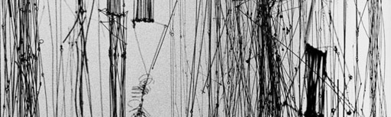 """Gego, """"Chorros (ambientación)"""". Exposición: """"5/85"""". Museo de Barquisimeto, Edo. Lara"""