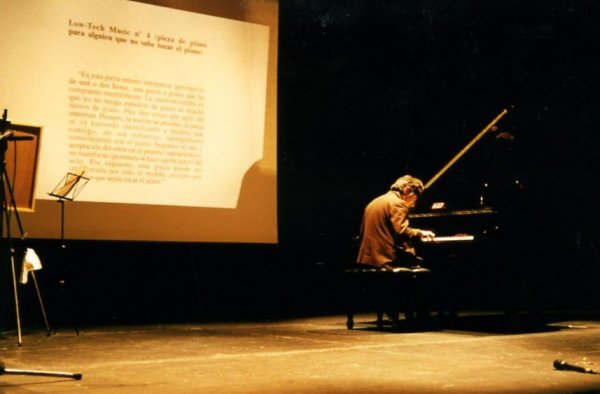 Low-Tech Music núm. 4 (peça de piano per a algú que no sap tocar el piano), 1995