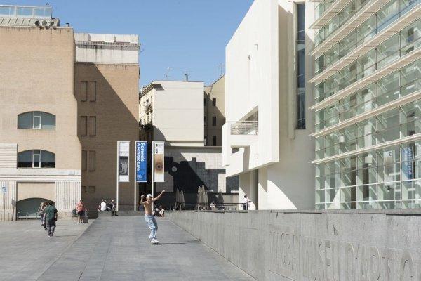 Akram Zaatari. Contra la fotografia. Història anotada de l'Arab Image Foundation [Reportatge fotogràfic exposició]