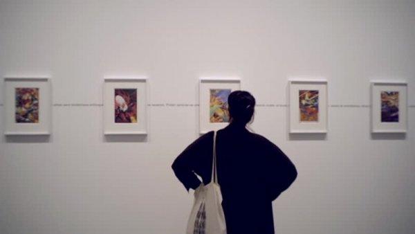 """La veu de la comissària: Tanya Barson parla de l'exposició """"Christian Marclay. Composicions"""" [Enregistrament audiovisual]"""