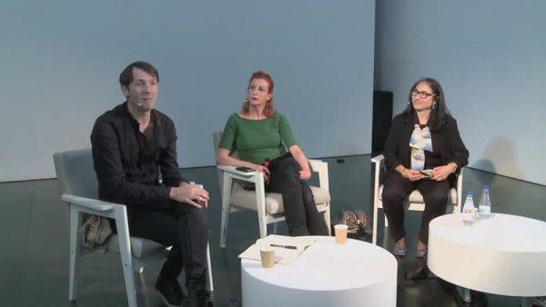 La Ribot. Conversa amb Àngels Margarit, directora del Mercat de les Flors i Pablo Martínez, cap de programes del MACBA [Enregistrament audiovisual activitat]