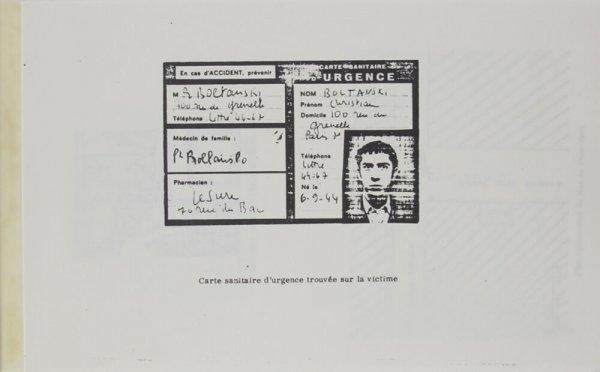 Carte sanitaire d'urgence trouvée sur la victime / [Christian Boltanski]