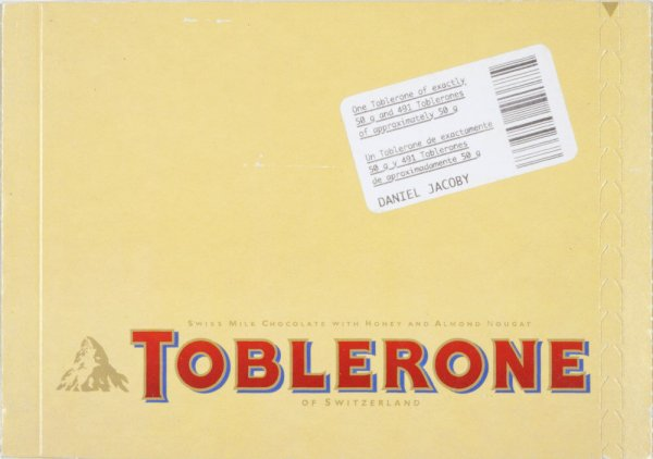 One Toblerone of exactly 50 g and 491 Toblerones of approximately 50 g = Un Toblerone de exactamente 50 g y 491 Toblerones de aproximadamente 50 g
