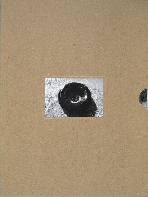 Robert Gober : the United States Pavilion, 49th Venice Biennale, June 10-November 4, 2001 = Padiglione degli Stati Uniti d'America 49a Biennale di Venezia, 10 Giugno-4 Novembre, 2001