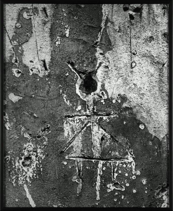 """Petit Lutin à la jupe triangulaire. Graffiti. Sèrie IX: """"Images primitives"""""""