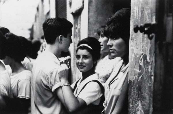 """Festes de Gràcia, Barcelona, 1964. Sèrie: """"Barcelona Blanc i Negre"""""""