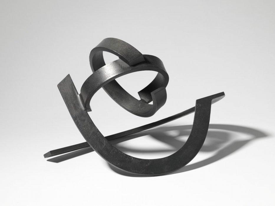 Conjunció dinàmica de dos parells d'elements corbs i lleugers
