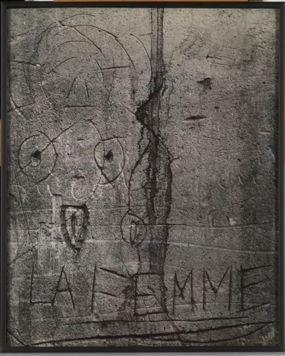 "The Woman (Prévot Passage). Graffiti. VI Series: ""Love"""