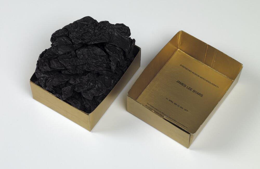 James Lee Byars: Museo Estatal Mönchengladbach, 21 de abril al 22 de mayo de 1977