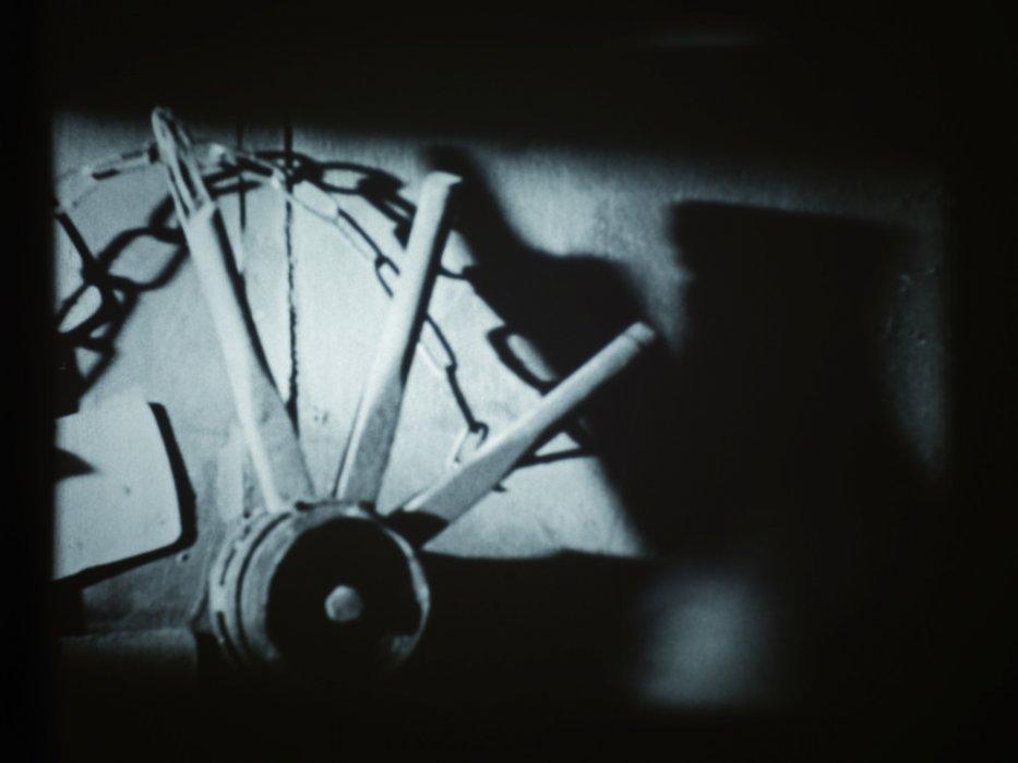 La clave del reloj (Poema cinematográfico en honor de Kurt Schwitters)