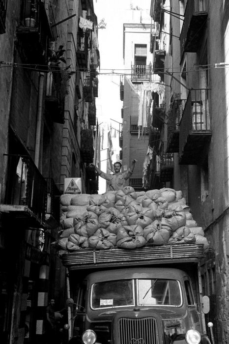 "Barcelona, 1962. Series: ""Barcelona Blanc i Negre"""