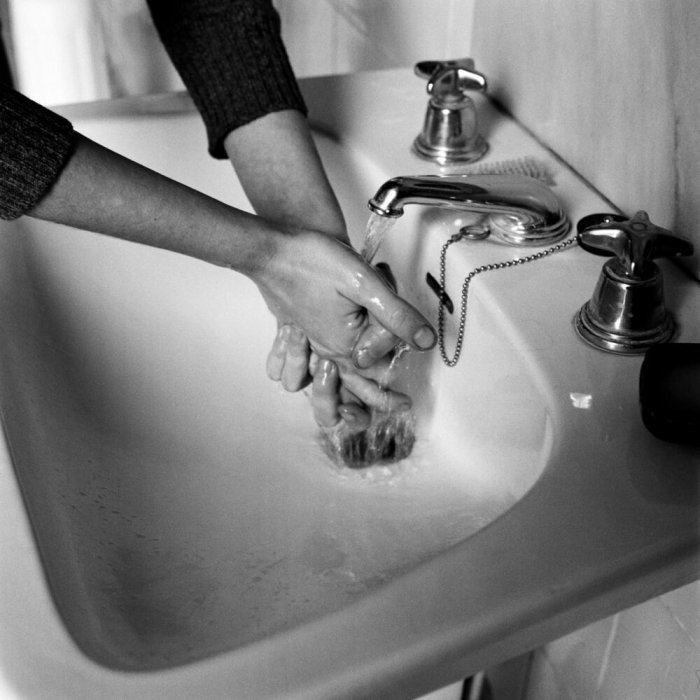 Relationships. The Body's Relationship with Natural Elements in Everyday Actions. Washing One's Hands