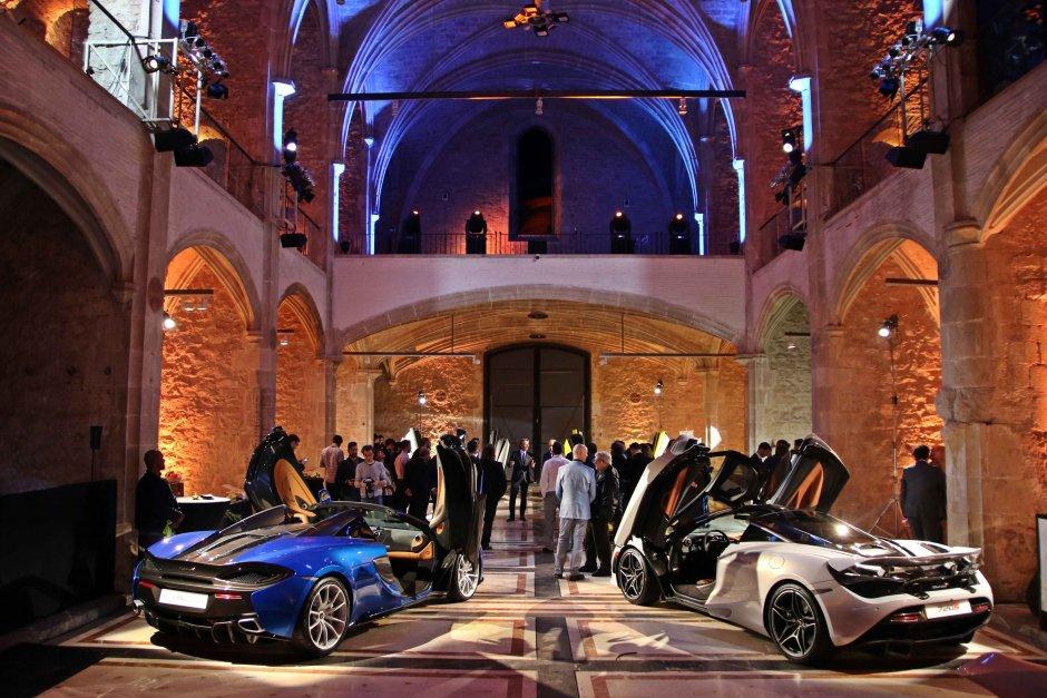 Capella exposición coches