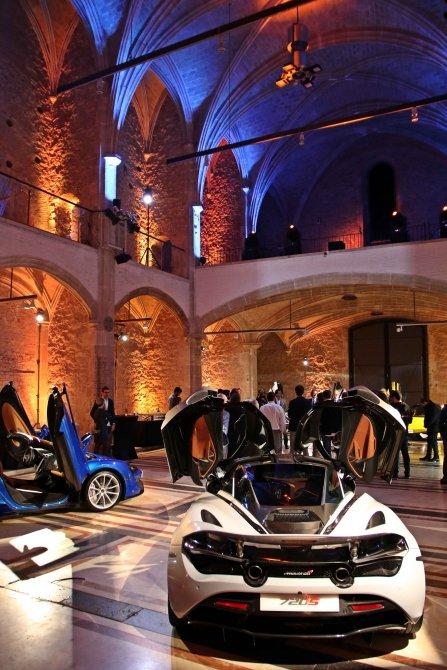 Capella exposición coches 2