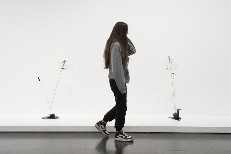 'Takis', exhibition views, 2020. Photo: Roberto Ruiz