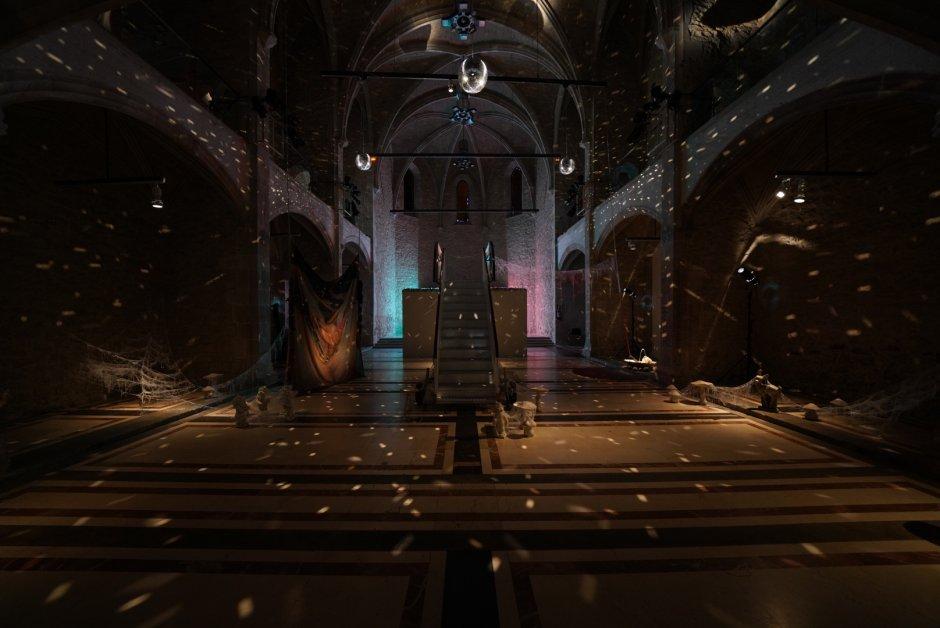 """Vistes """"En temps real. La Col·lecció Rafael Tous d'art conceptual"""". Capella MACBA"""