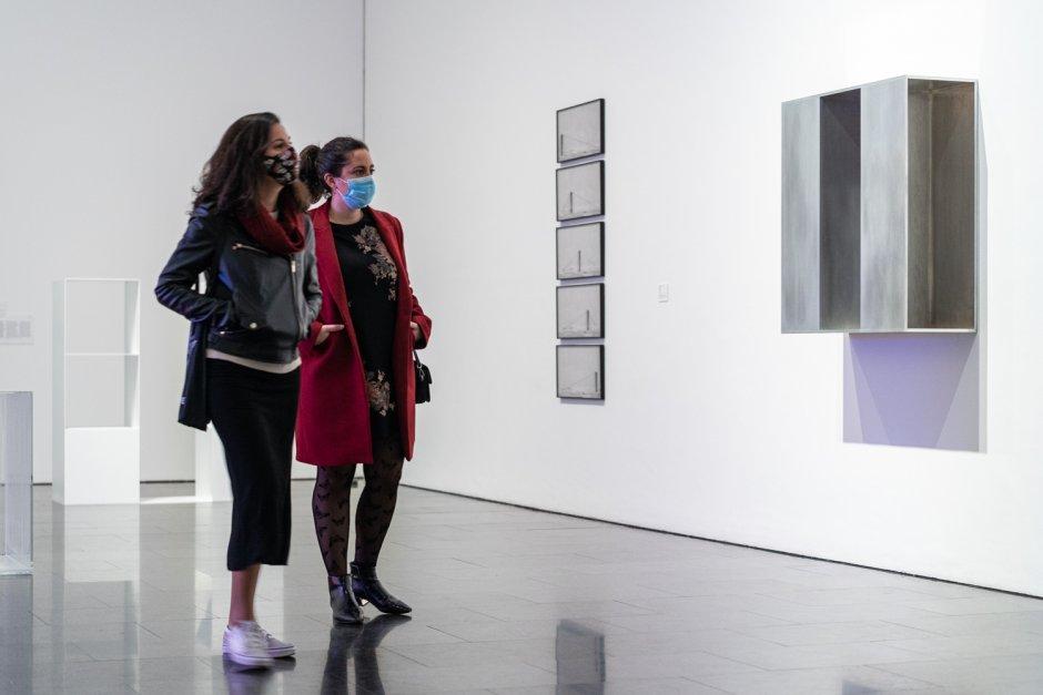 "Vistas ""Un siglo breve: Colección MACBA"""