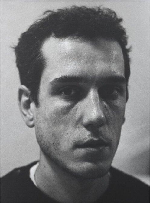 """Pere Comelles, carrer Provença, Barcelona. Febrer 1996. Sèrie: """"La ciutat de la gent"""""""