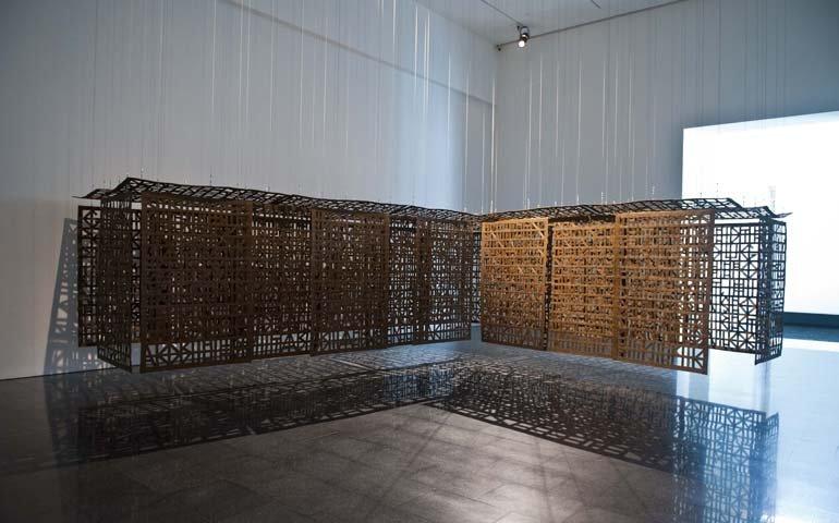 """Vista de l'exposició """" Volum! Obres de les col·leccions de la Fundació """"la Caixa"""" i el MACBA"""",  2011-2012"""
