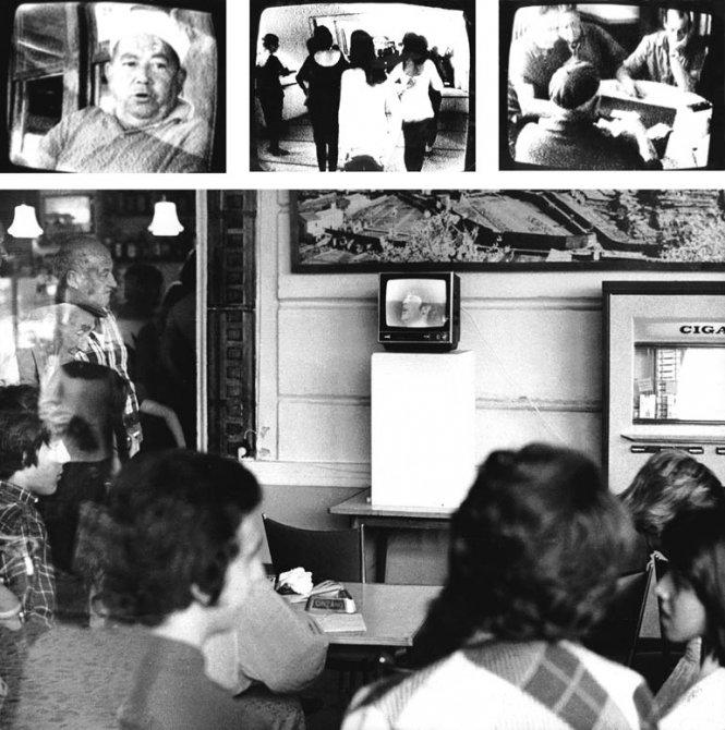 """Muntadas """"Punt d'informació. Cadaqués Canal Local"""", 1974"""