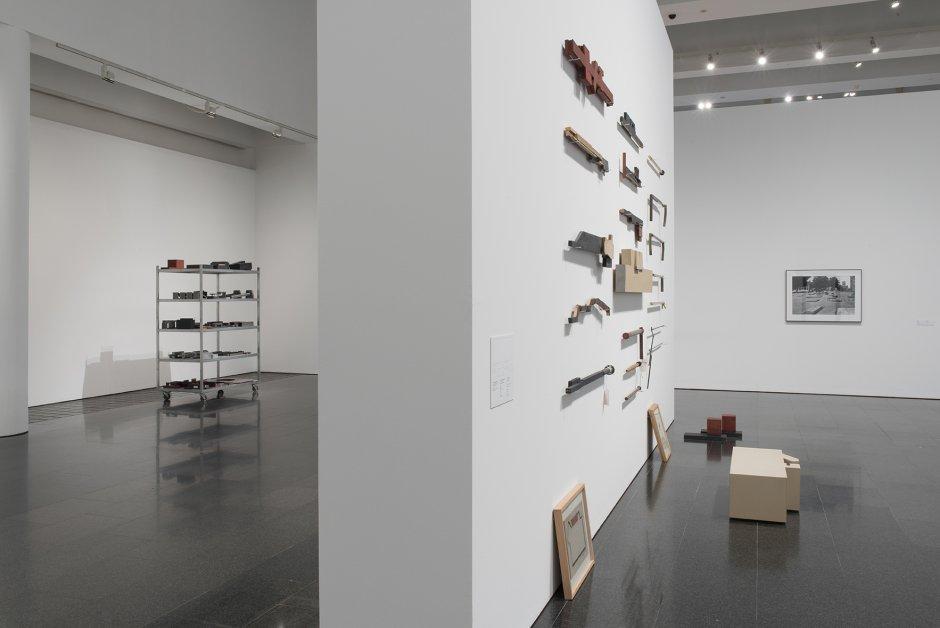 """Vistes de l'exposició """"Sergi Aguilar. Revers/Anvers (1972-2015)"""", 2015. Foto: Roberto Ruiz."""