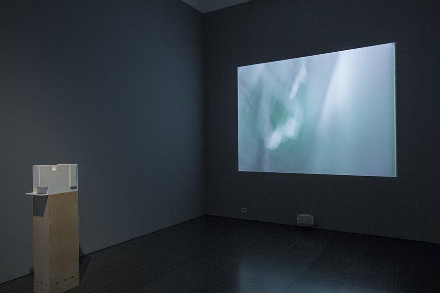 Vistes de l'exposició 'Col·lecció MACBA. Sota la superfície' , 2017. Foto: La Fotogràfica