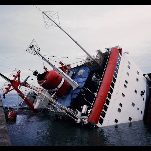 """Allan Sekula """"Shipwreck and Workers (Version 3 for Kassel)"""", 2005-2007"""