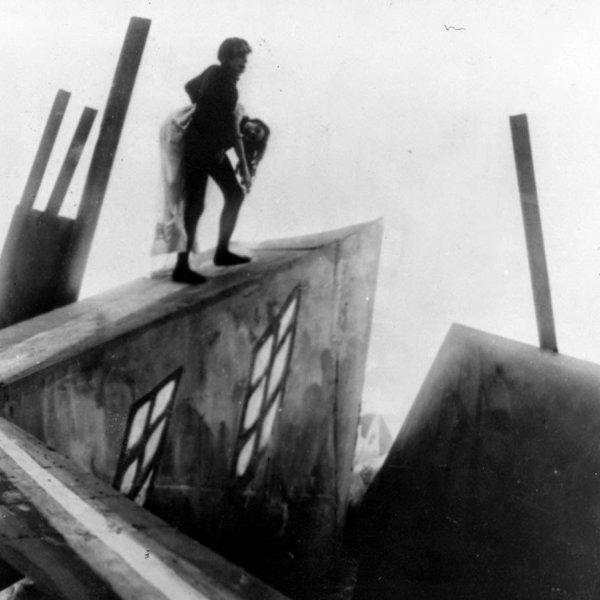 """Fotograma de """"El gabinet del Dr. Caligari"""""""
