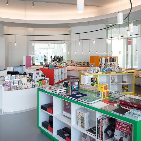 MACBA Store Laie