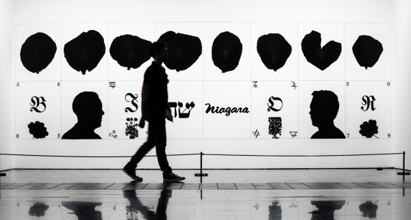 """Vistas de """"Un siglo breve: Colección MACBA"""". Foto: Dani Cantó"""