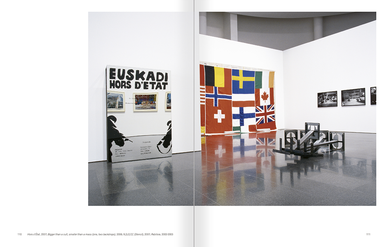 """Selecció del catàleg """"Asier Mendizabal"""" pàgines 110 i 111"""