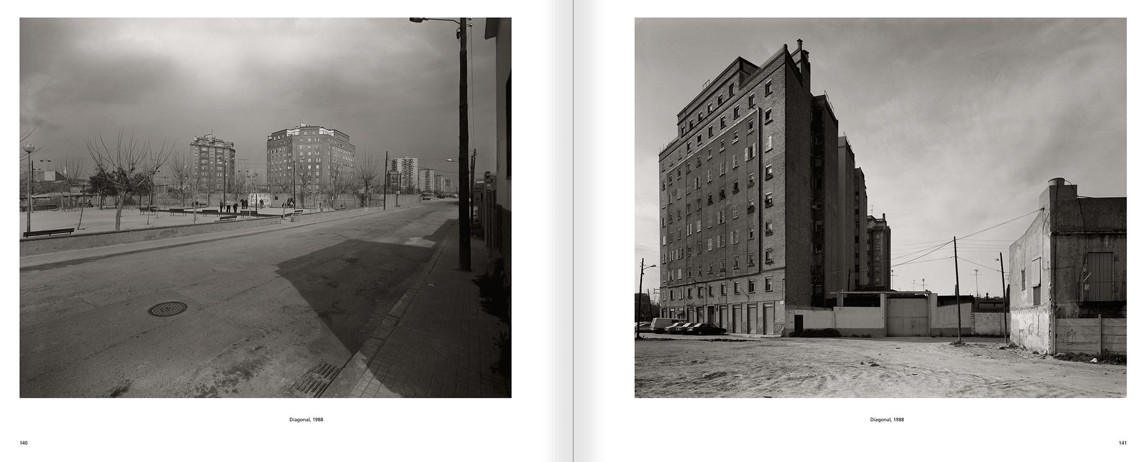 """Selecció del catàleg """"Barcelona 1978-1997. Manolo Laguillo"""" pàgines 140 i 141"""