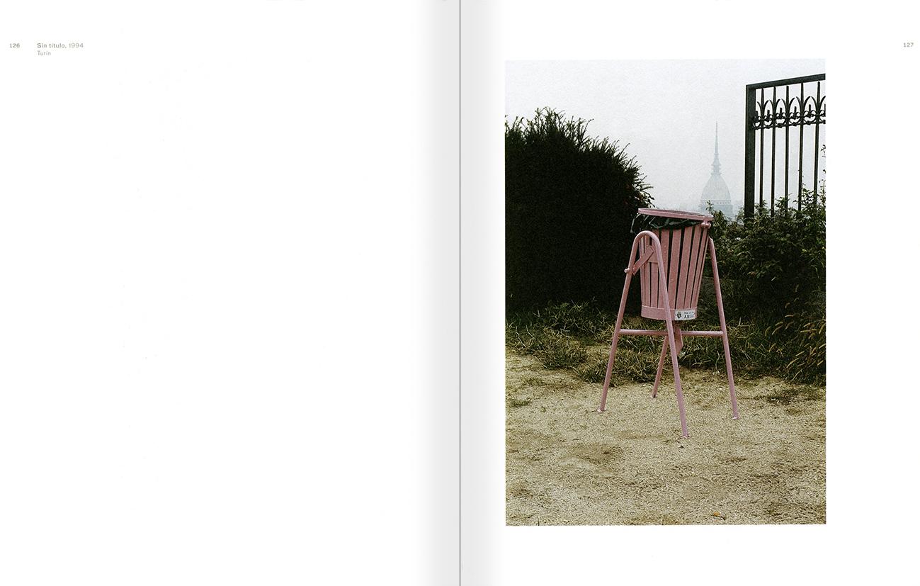 """Selecció del catàleg """"Peter Friedl: Obra 1964-2006"""" pàgines 126 i 127"""