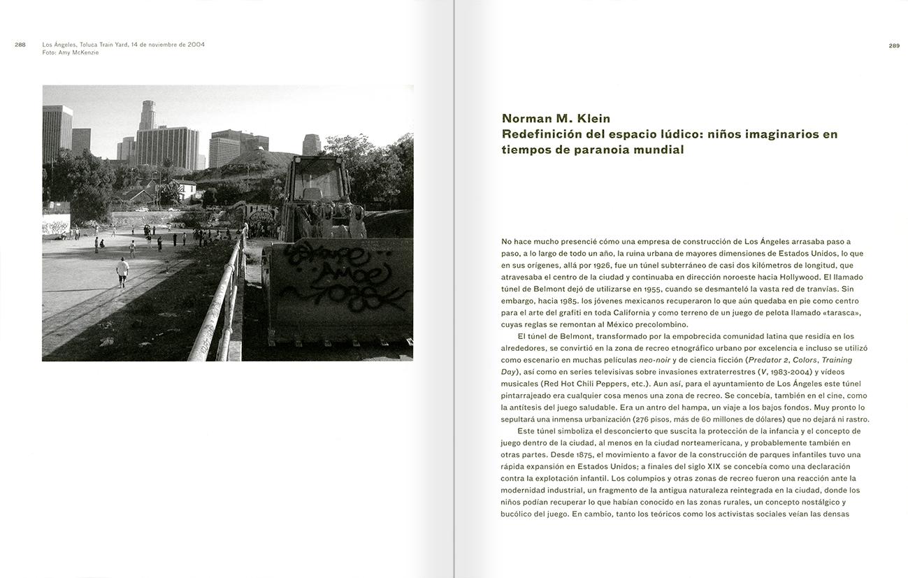 """Selección del catálogo """"Peter Friedl: Obra 1964-2006"""" páginas 288 y 289"""