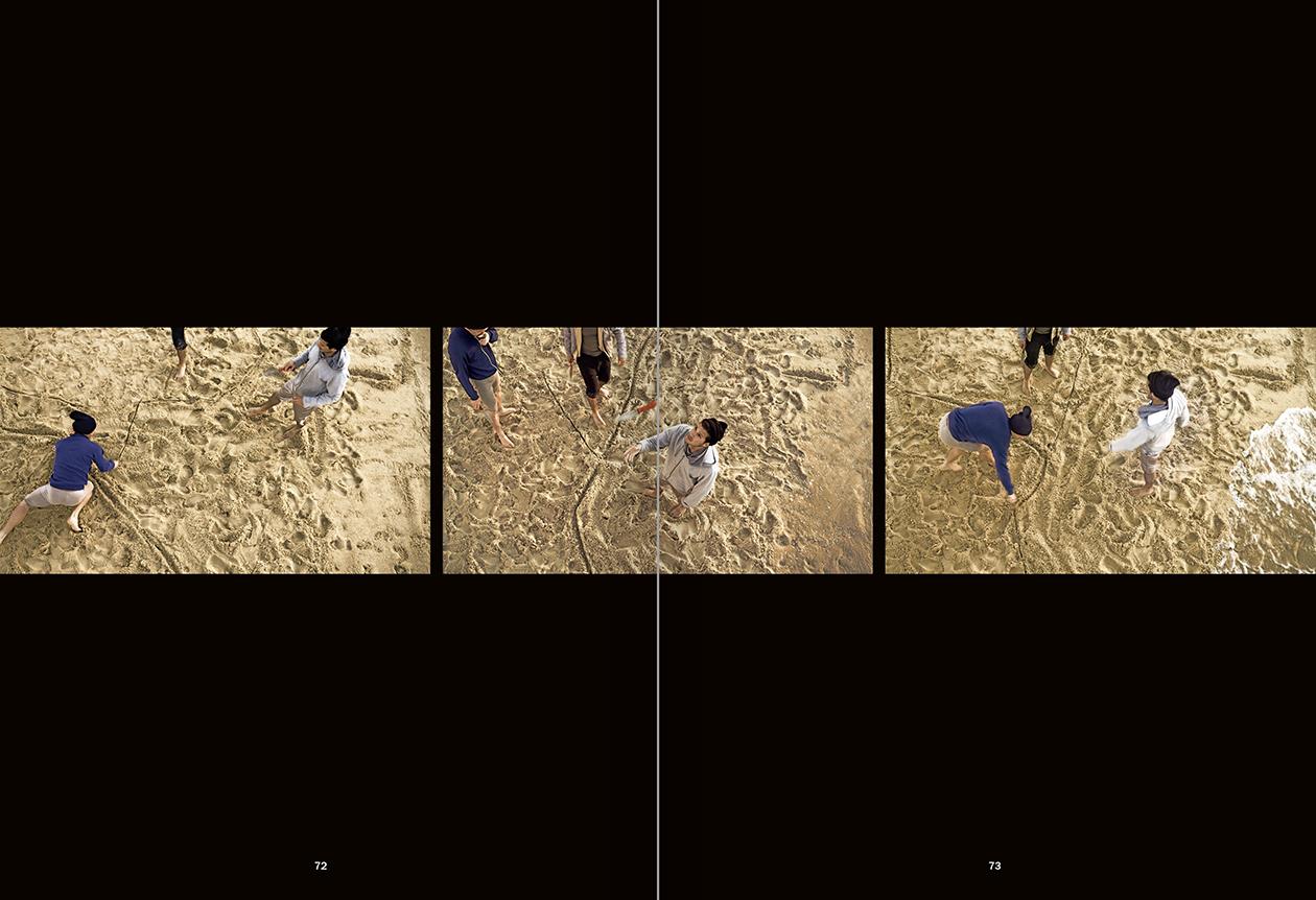 """Selecció del catàleg """"La danza fenicia de la arena / Phoenician Sand Dance. Sigalit Landau"""", pàgines 72 i 73"""